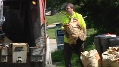 City Resumes Yard Waste Pickup For Now