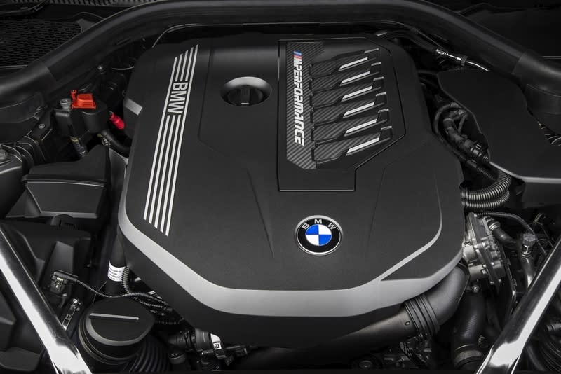 Z4共有sDrive20i、sDrive30i兩款2.0升與M40i 3.0升六缸三種動力規格。