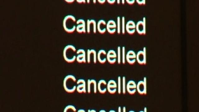 Hurricane Sandy leaves air travelers stranded