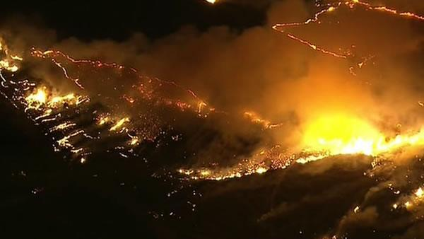Fire in Camarillo stretches to 8,000 acres