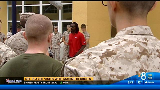 NFL player visits with Marine recruits