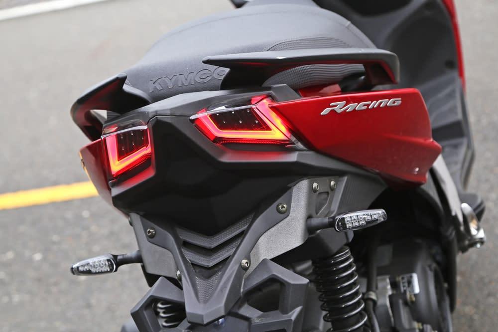 尾燈則與Racing S 125 同樣採LED 配置。