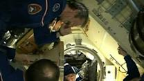 Raw: New Crew Reaches Space Station