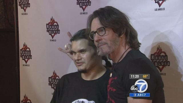 Rick Springfield headlines concert for friend with cancer