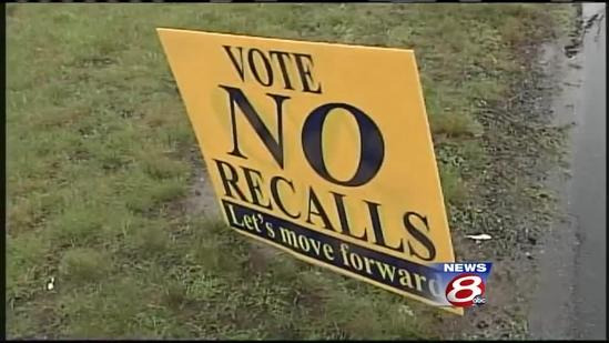 OOB voters recall 6 of 7 councilors