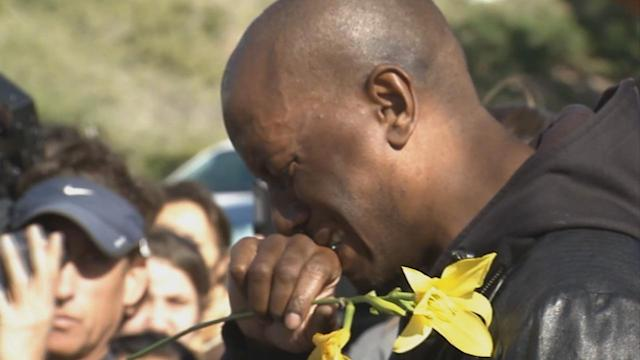 Paul Walker mourned by friends, fans at Valencia car crash site