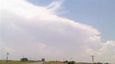 Hot Temps, Clouds Arrive In Cordell