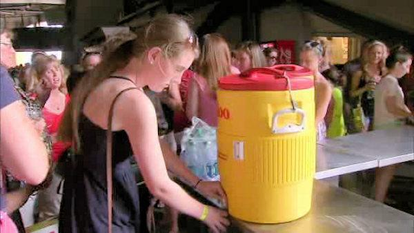 Keeping cool at the Taylor Swift concert
