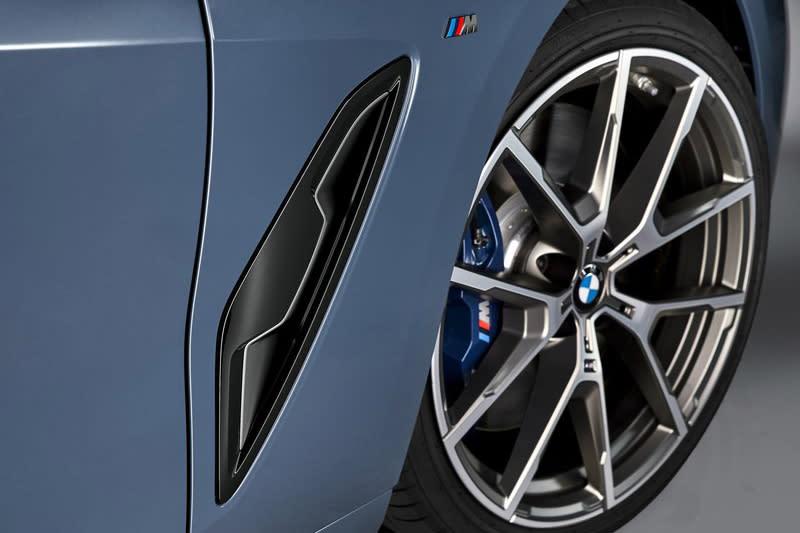 全新8 Series Coupe真的超美,幾乎已達多一分太肥減一分太瘦的境界。