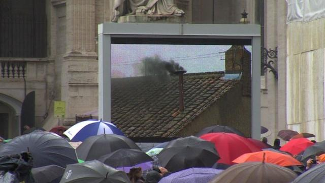 Hoping for a pope on rainy second day of conclave