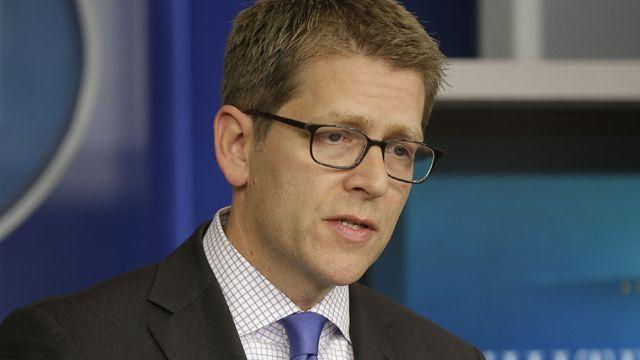 Jay Carney in impossible position?