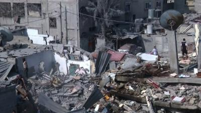 Raw: Israel Bombards Gaza, Searches for Soldier