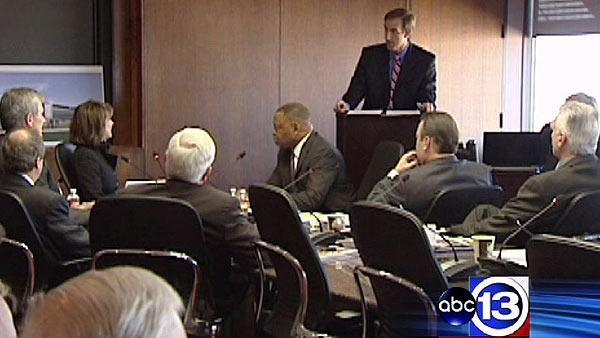 Port commissioners pass new policy, then throw a party