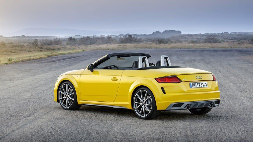 AUDI TT 二十周年小改款,外型更趨運動化、動力和配備皆向上升級