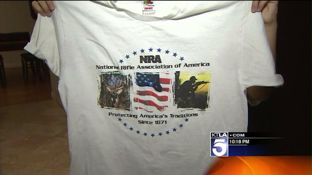 School Appologizes for Forcing Girl to Remove NRA T-Shirt