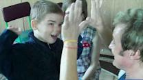 Illusionist teaches tricks to kids with disabilities