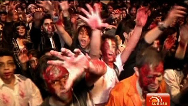 Thousands join Colombian zombie walk