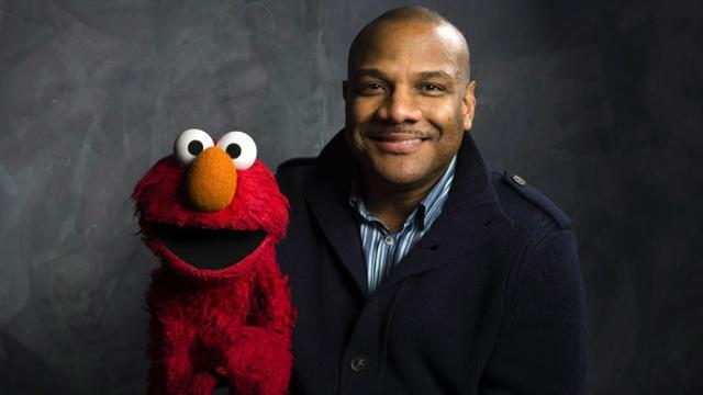 Elmo puppeteer resigns from