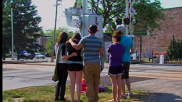 Suicide prevention experts offer warning signs of teen depre