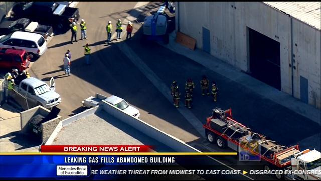 Leaking gas fills abandoned building in Mira Mesa