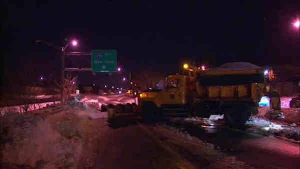 Large stretch of LIE still closed for snow removal