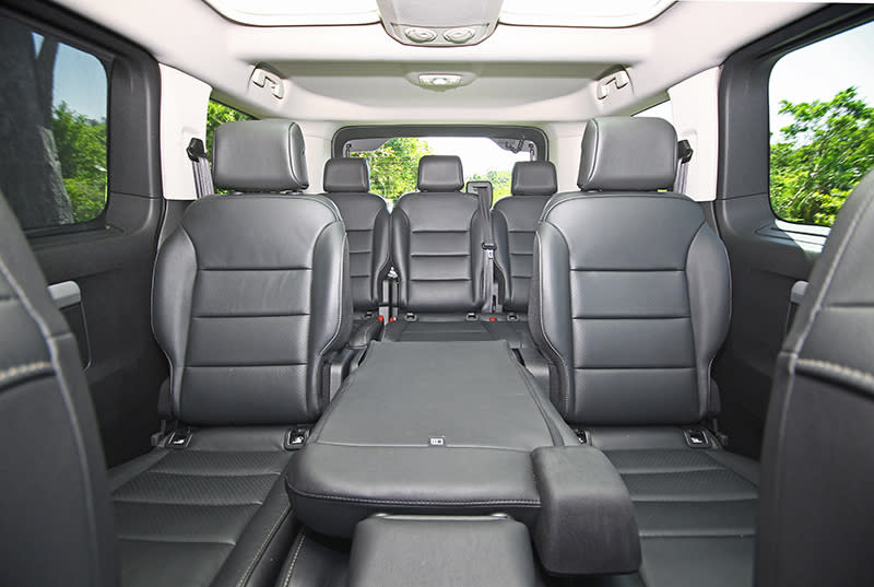 TRAVELLER領航家具備標準軸/長軸以及8人/9人等多樣化車型選項,滿足各式商旅需求。