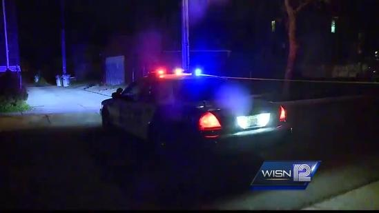Milwaukee police investigate double shooting