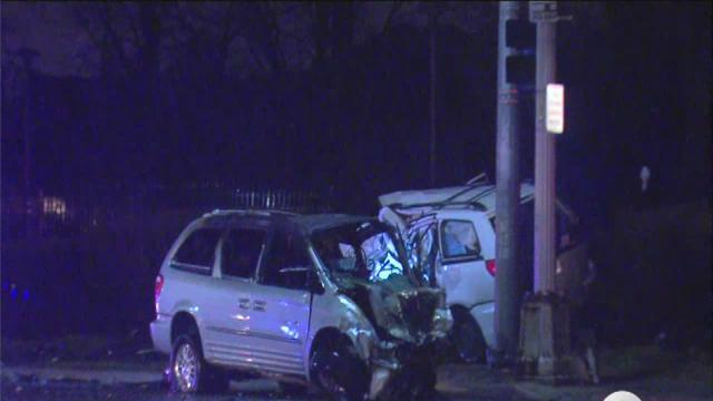 Deadly crash closes Woodward on Detroit, Highland Park border