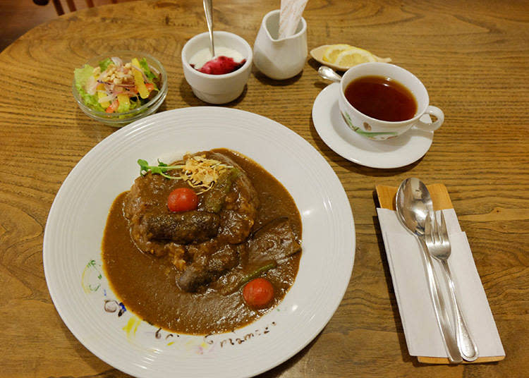 野菜咖哩(やさいカレーセット)單點 900日元 / 午間套餐1050日元 / 晚間套餐 1400日元