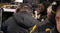 Pittsburgh Steelers running back Le'Veon Bell watches replay of injury