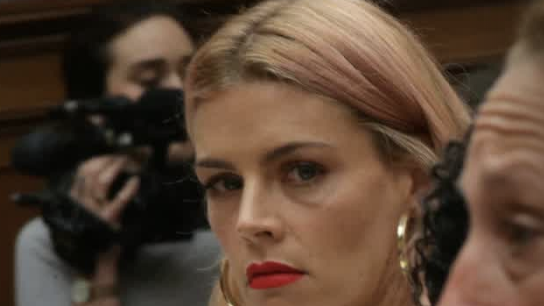 Lena Taylor Thrills Capitol >> Busy Philipps Testifies About Her Abortion On Capitol Hill