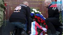Pro-Putin Bikers Lay Wreath at Russian Monument in Vienna En Route to Berlin