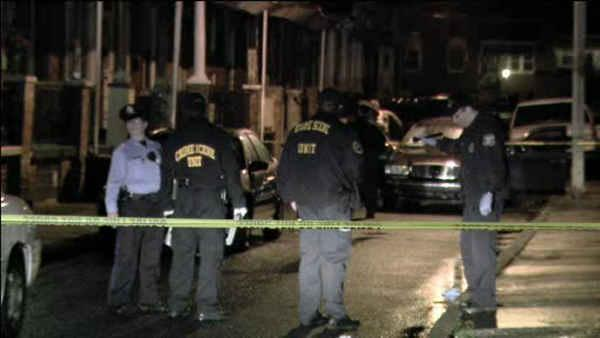 Husband shot and killed in front of wife in Northeast Philadelphia