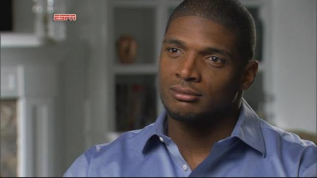 College Football Star Michael Sam Comes Out as Gay