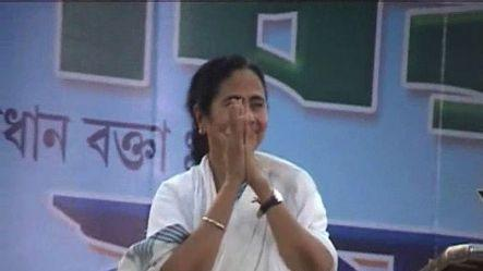 Mamata Banerjee dares UPA to 'touch' TMC