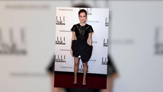 Emma Watson Presents Herself At Elle Style Awards Wearing Giant Bow