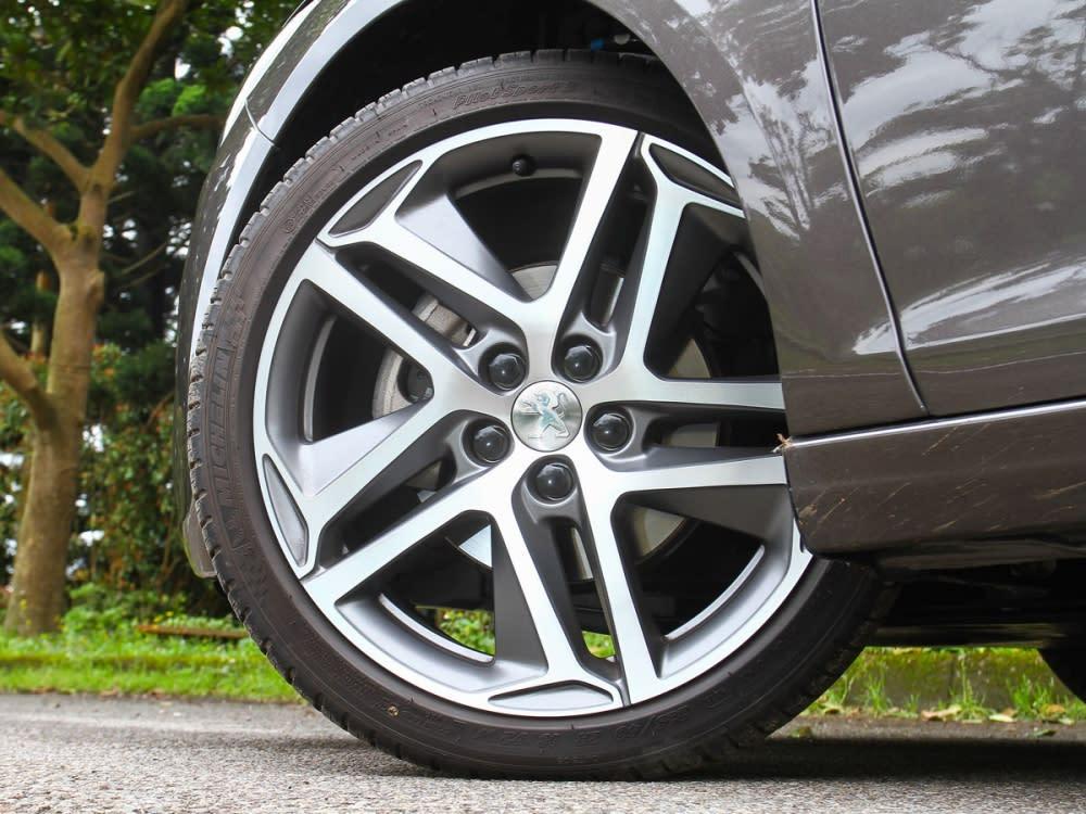 Allure+車型標配了18吋輕量化鋁合金輪圈。
