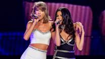 Taylor Swift & Selena Gomez Sing Good For You Duet On 1989 World Tour