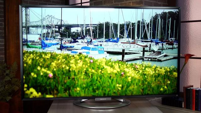 Sony W802 LED LCD: More syle than value