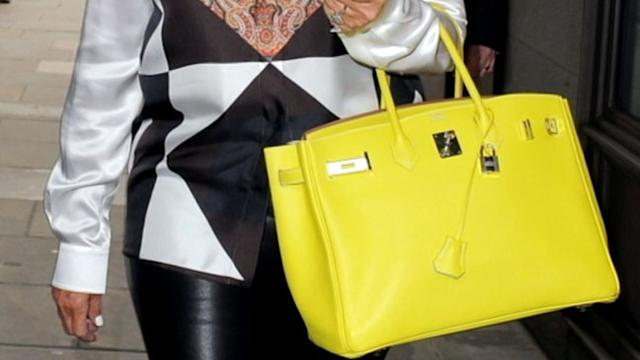 Women at Risk of 'Poshitis' From Toting Large Handbags
