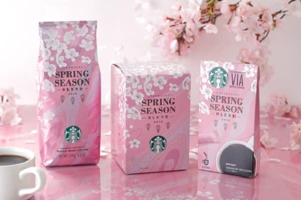 日本星巴克櫻花祭全新包裝口味之限定咖啡豆和即溶咖啡(圖/日本星巴克)