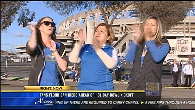 Fans flood San Diego for Holiday Bowl