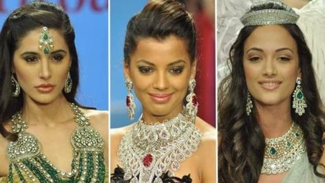 Dhanteras Special: Check out stylish hatke Jewelleries!