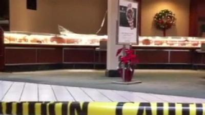 Police: Men With Sledgehammers Rob Jewelry Store