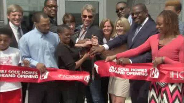 Bon Jovi helps open low-income housing in North Philadelphia