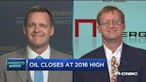 Oil closes higher