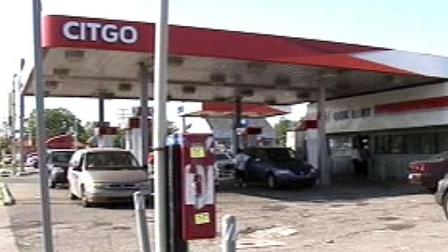 Popular pastor mugged at gas station