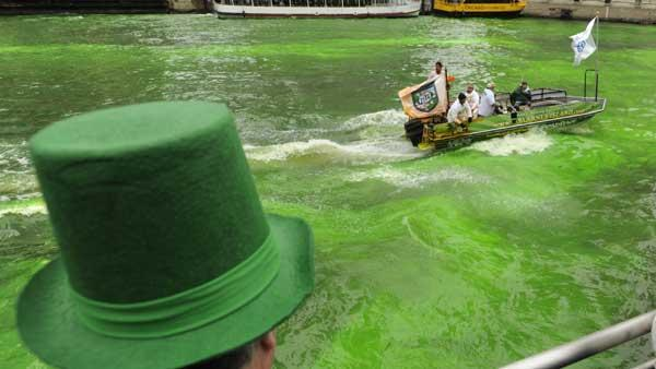 Chicago River runs green for St. Patrick's Day