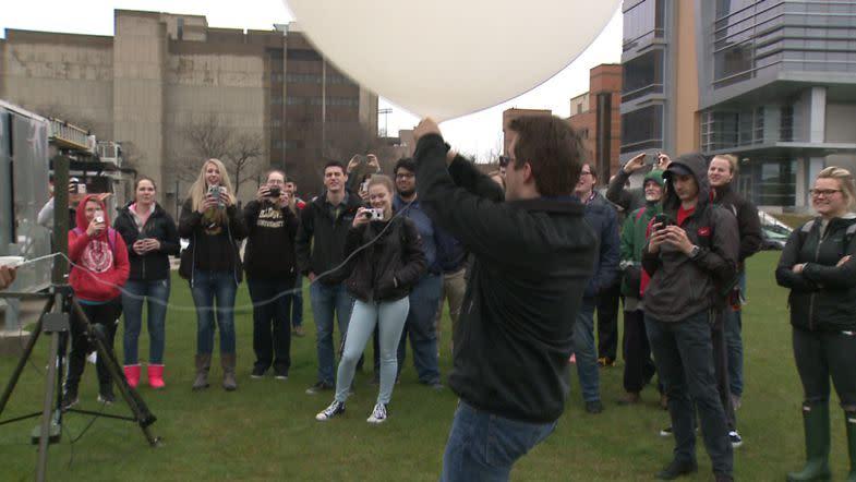 UW-Milwaukee students launch weather balloon