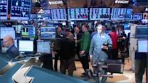 United States Breaking News: Wall Street Falls as Bond Yields Hit High Dividend Stocks